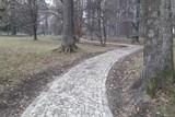 Rožnov opravil za 1,02 milionu korun 185 metrů chodníků v parku
