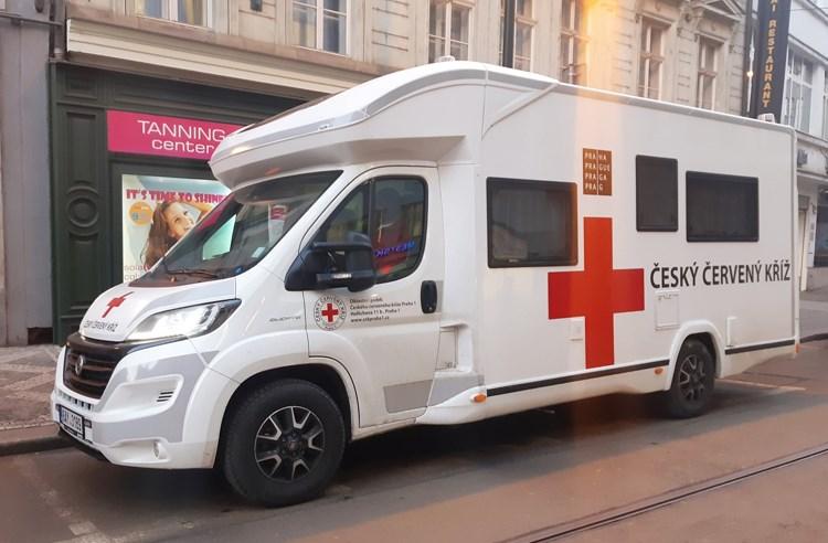 Ráno vyjel do pražských domovů pro seniory první mobilní očkovací tým