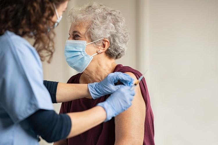 Moravskoslezští hasiči pokračují v rozvozu vakcín proti covidu