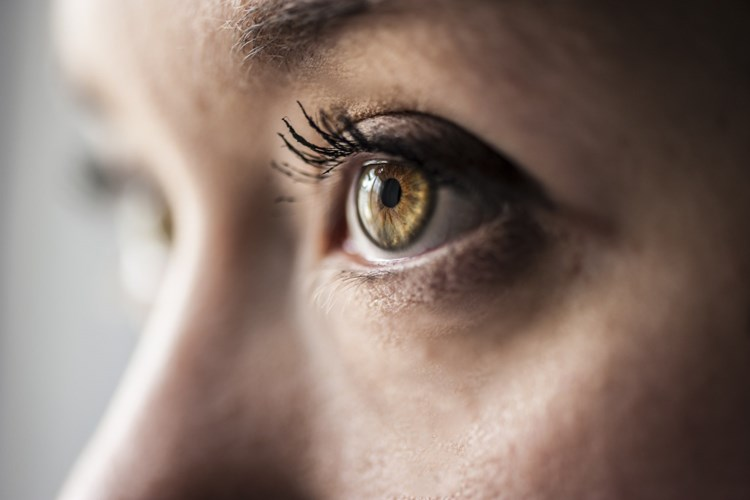 Oční poradna: Lidské oko nikdy nespí. Odpočinek ale potřebuje. Jak mu ho dopřát?