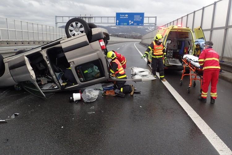 Pět zraněných osob u nehody v Třinci