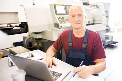 Datovou schránku by mohli povinně dostat další právnické osoby a živnostníci