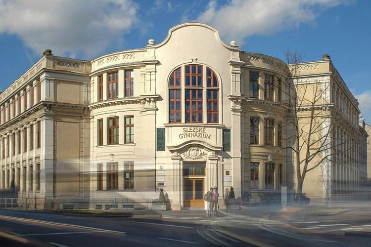 Slezské gymnázium v Opavě má novou moderní elektroinstalaci