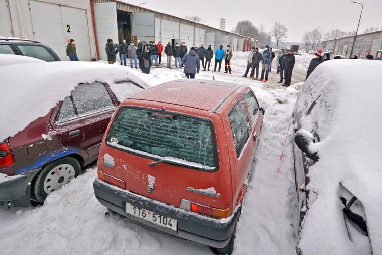 První dražba odtažených aut v Bohumíně vynesla městu přes deset tisíc korun