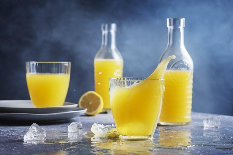 Kam si zajet pro citrusovou limonádu? Do Polska, Německa nebo Česka? To zjišťoval dTest ve svém srovnání