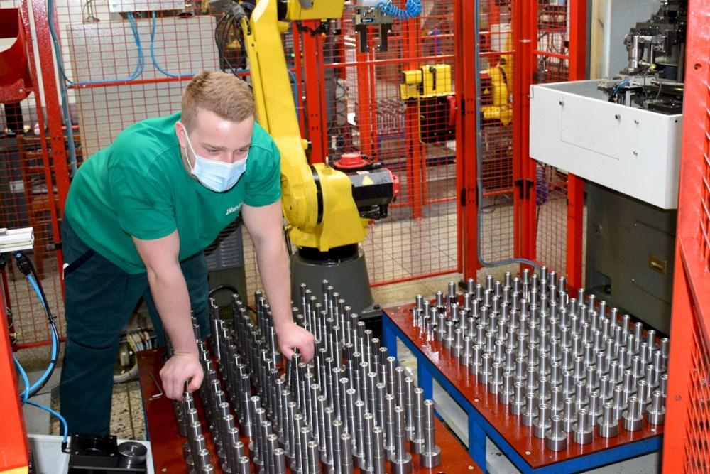 Jihostroj Velešín je významnou strojírenskou firmou s více než stoletou tradicí.