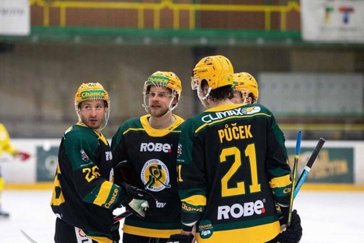 Valaši zvládli třetí bitvu na ledě Slovanu a jsou krok od čtvrtfinále