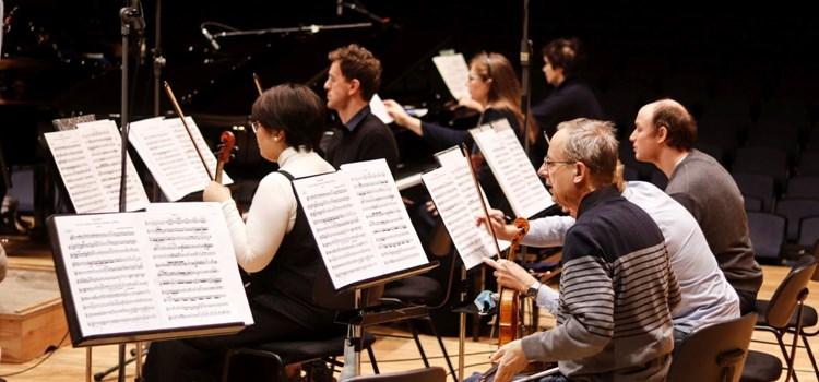 Hradecká Filharmonie volá abonentům a skládá novou sezónu