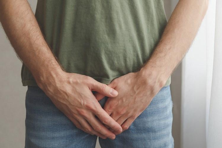Pandemie má negativní vliv na mužskou plodnost. Spermie ničí práce z domova i stres