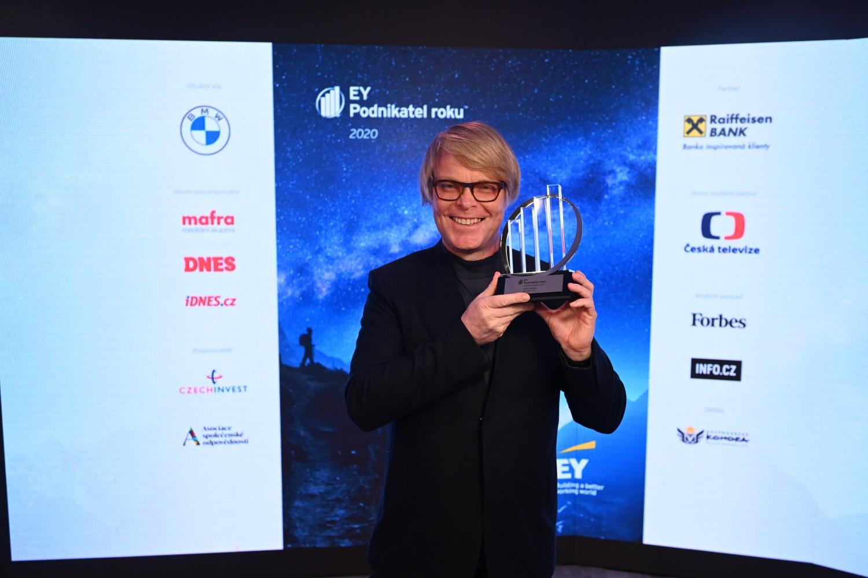 Titul EY Podnikatel roku 2020 Zlínského kraje získal David Karásek ze skupiny mmcité, která je synonymem městského designu doma i ve světě