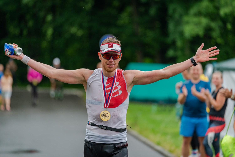 Vítěz zdolal extrémní beskydský triatlon za 15 a půl hodiny. Nejlepší bruslař na Olešné ujel za 12 hodin 238 kilometrů