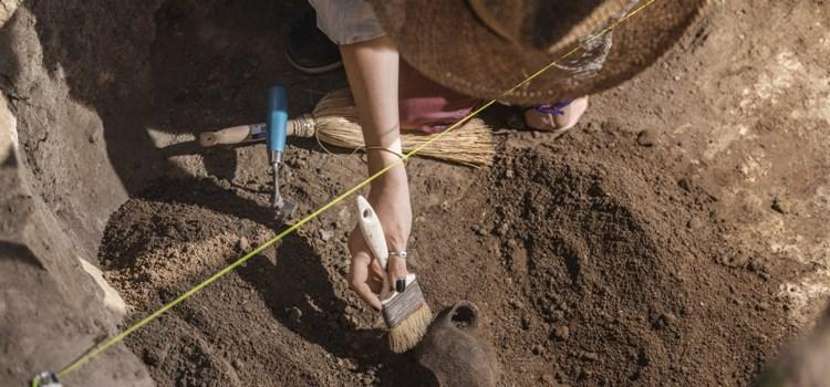 Archeologický workshop pro rodiny s dětmi