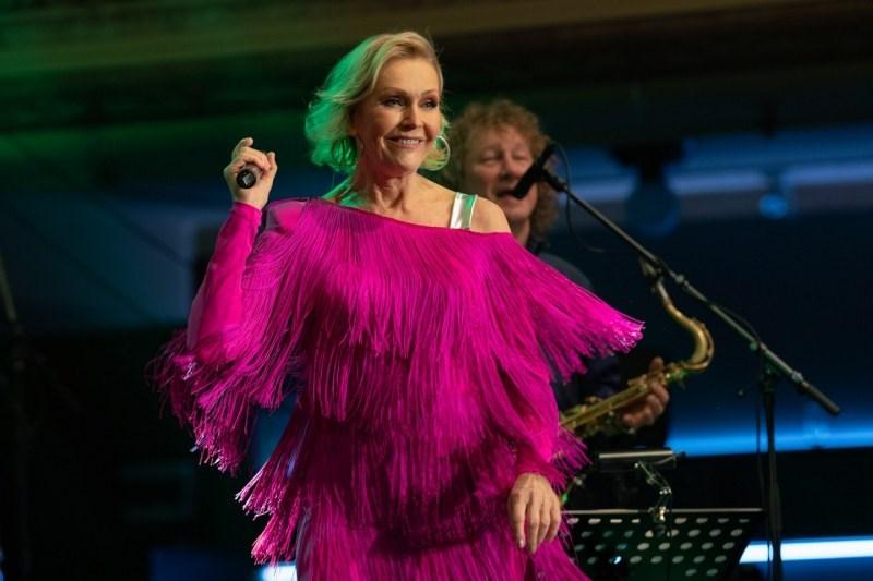 Helena Dlouhá noc live (koncert v Lucerně).