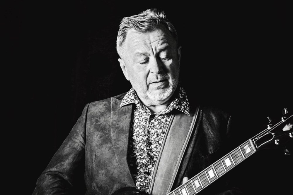 Legendární rockový kytarista Michal Pavlíček.