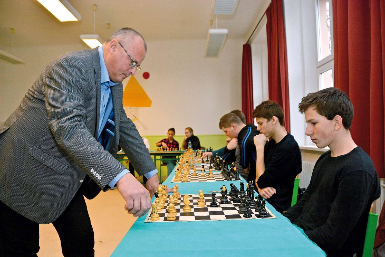 S gymnazisty si starosta zahraje šachy už po čtyřiadvacáté