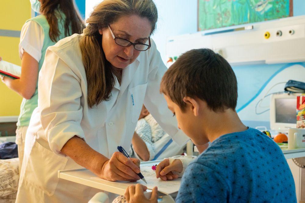 Když škola léčí. Výuka dětí ve Fakultní nemocnici Olomouc je součástí léčebného procesu