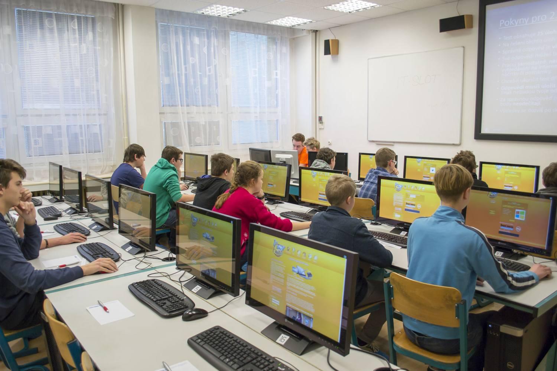 Informační gramotnost českých žáků prověří 10. ročník celostátní soutěže IT-SLOT