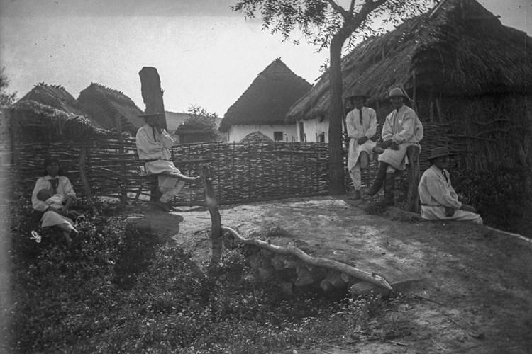 Díky sběrateli Františku Řehořovi se můžete podívat na již zaniklý život západoukrajinských vsí