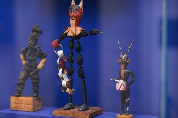 Popis: Tradiční řemeslné dílny pro děti – Čert ze sušených švestek.