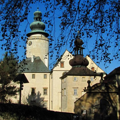 Vánoční časy se blíží, hrady a zámky lákají na adventní program