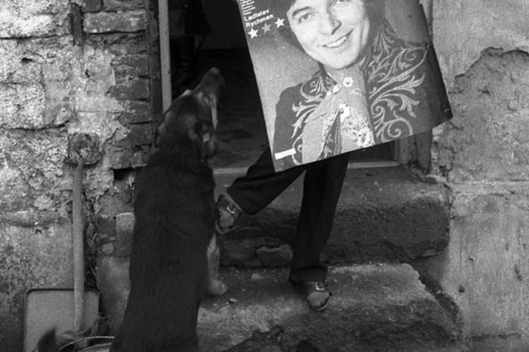 Rozsáhlá výstava Jindřicha Štreita charakterizuje dobu husákovské normalizace