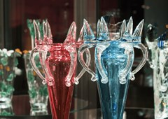 Tančící dům představuje největší retrospektivní výstavu Bořka Šípka. Vystaveno je téměř 300 exponátů