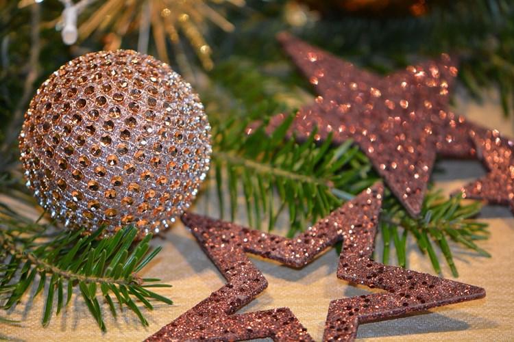 Na frýdeckém zámku jsou k vidění vánoční a novoroční pohlednice
