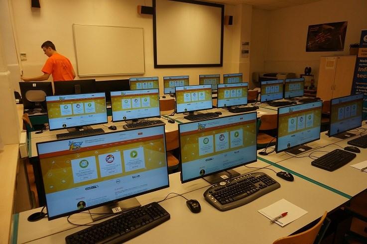 Popis: Snímek z loňského finále soutěže IT-SLOT.