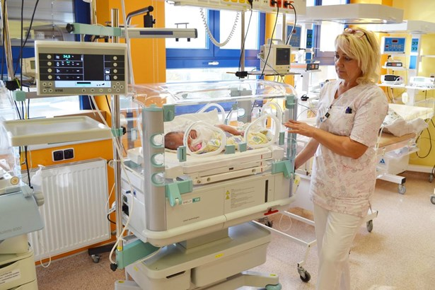 Popis: Nový inkubátor v Nemocnici Valašské Meziříčí