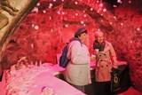 Výstava přibližuje nejvýznamnější tradice a zvyky udržované od adventu až po Tři krále