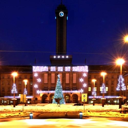 Vánoční výzdoba v Ostravě se rozsvítí už v sobotu, náměstí ozdobí 3 kilometry světelných řetězů a 26 tisíc diod