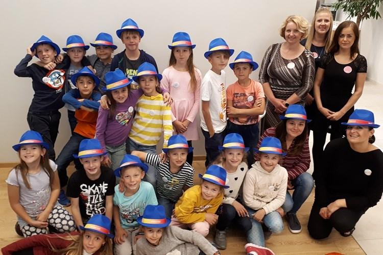 Školáci budou na vánočním jarmarku vydělávat na pomoc chudým dětem