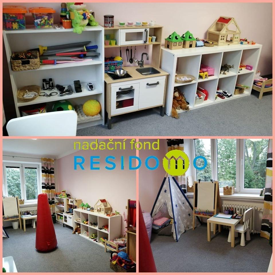 Popis: Terapeutická herna v prostorách Poradny pro rodiny s dětmi Sluníčko v Karviné.