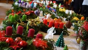 Advent  v Rožnově: koncerty, jarmark v muzeu, ale i koledy, zimní kino a diskotéka na náměstí