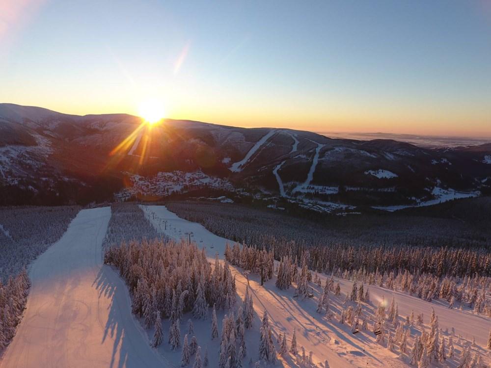 Popis: Ski areál Špindlerův Mlýn.