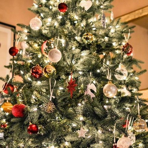 Výstava v berounském Muzeu Českého krasu seznamuje s historií vánočního stromku