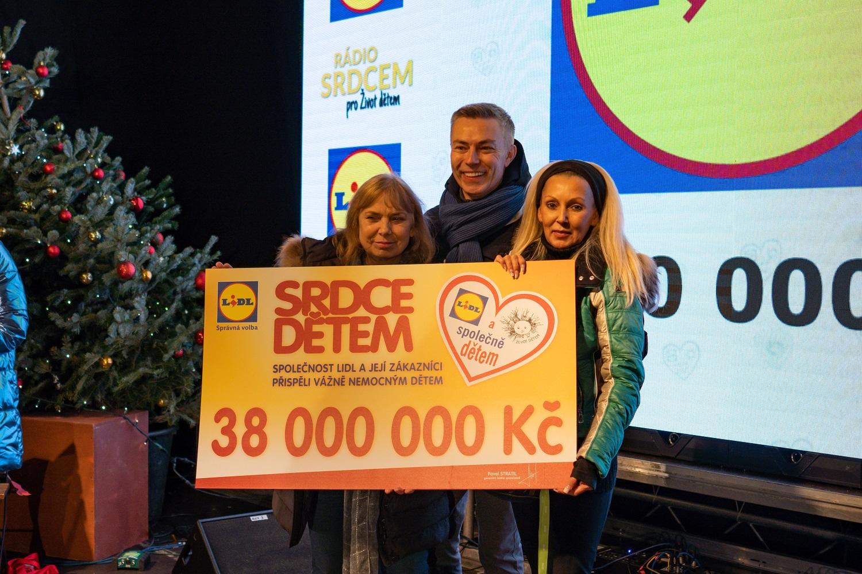 Sbírka Srdce dětem nadělí ještě před Vánoci dětským pacientům 38 milionů korun