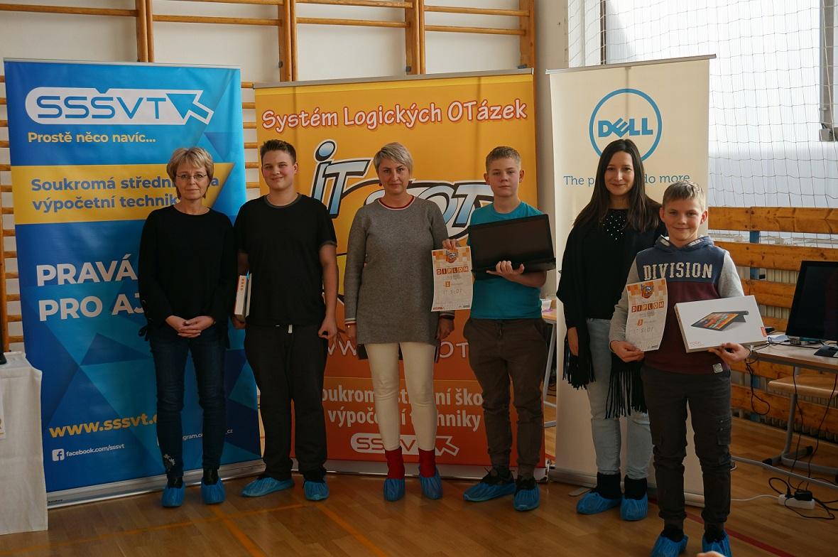 Výsledky soutěže IT-SLOT: čeští žáci rozumí počítačům, ale ztrácí logické myšlení