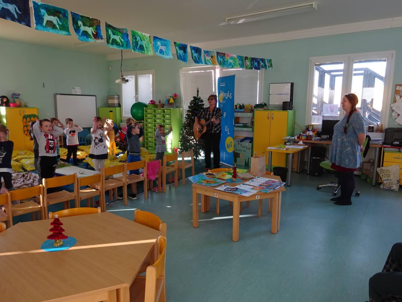Jihlavské děti podpořily pacienty s roztroušenou sklerózou