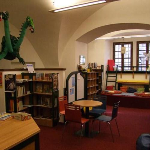Městská knihovna Loket - Expozice umělecké knižní vazby