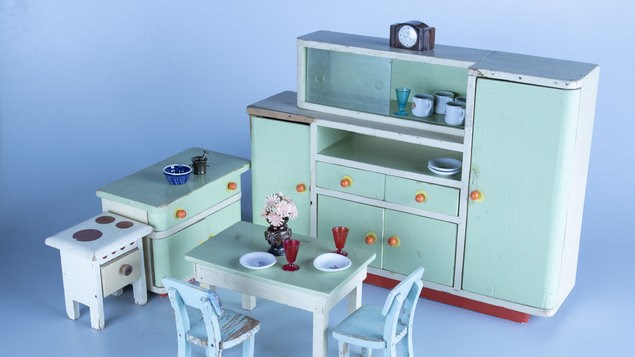 Výstava kočárků a hraček ze sbírky Šárky Špačkové