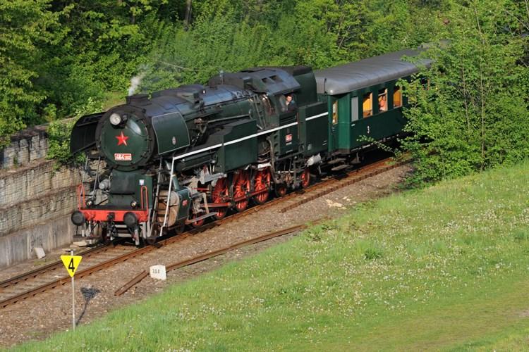 Svezte se historickým vlakem na výlet do Lednice