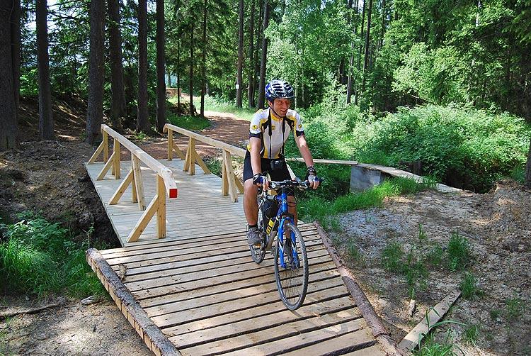 Populární Brdský cyklobus i letos usnadňuje cyklistům poznat zalesněnou oblast Brd