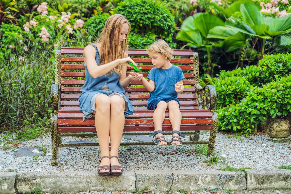 Žloutenka – nebezpečný suvenýr z dovolených i dětských táborů