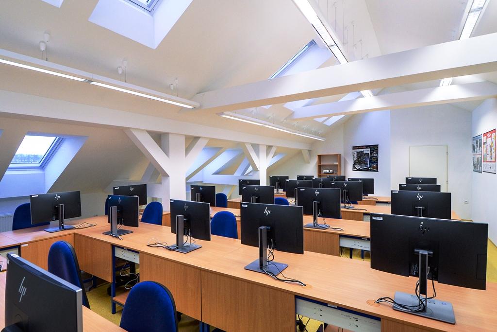 Přes 200 milionů korun za tři roky šlo do modernizace škol v Plzni, desítky milionů i do škol mimo ni