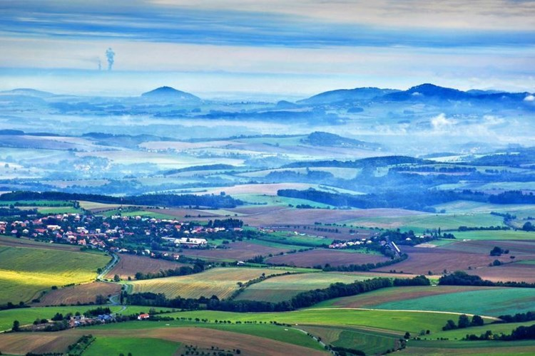 Alpský vzduch, barokní katedrála a daleké výhledy. Takové jsou Rajnochovice v Hostýnských vrších