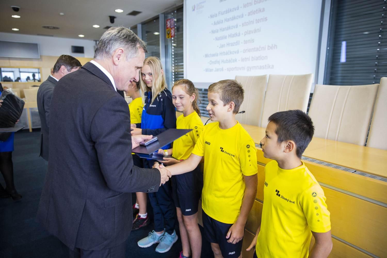 Představitelé Zlínského kraje ocenili úspěšné mladé olympioniky