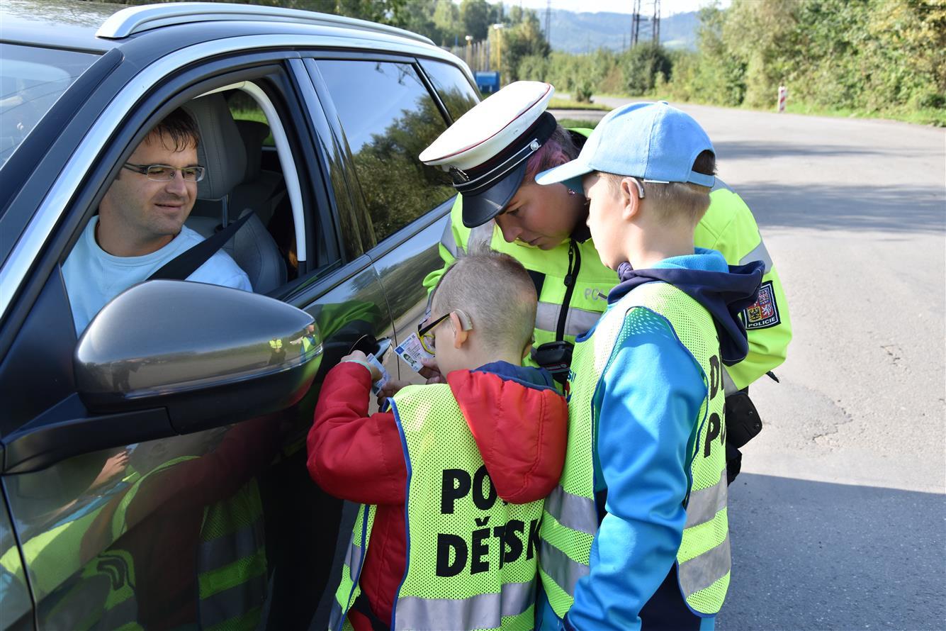 Dětská policie zkontrolovala 170 vozidel