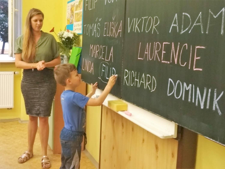 Bohumínské základky přivítaly 170 prvňáčků a 14 dětí v přípravné třídě