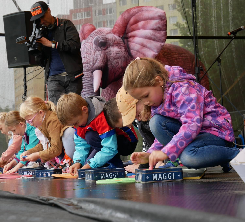 Hurá do školy. Děti z Prahy 13 začaly školní rok zábavným odpolednem